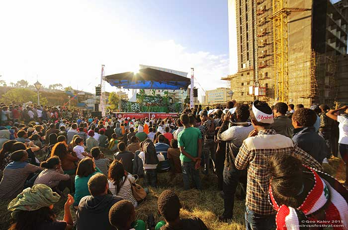 audience-place-african-circus-arts-festival-2015-geo-kalev-36