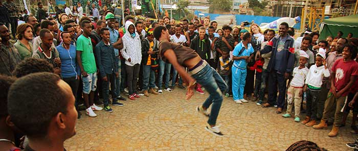 people-african-circus-arts-festival-2015-geo-kalev