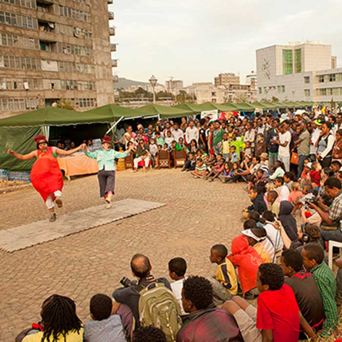 red-tomato-african-circus-arts-festival-2015-adriano-marzi